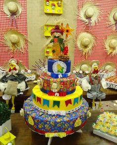 Festa Junina Cupcake, Birthday Cake, Children, Scarecrows, Young Children, Birthday Cakes, Boys, Kids, Cupcakes
