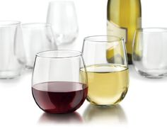 $22.44-$27.99 This set contains the Vina series 16-1/2-ounce stemless red and 17-ounce stemless white wine glasses. Popular for their affordable elegance and durability, it can be used as an everyday wine glass or for elegant occasions. Dishwasher safe and made in the US.