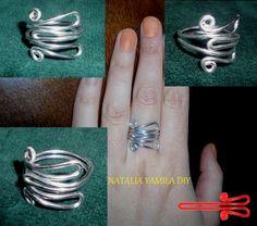 Anillos artesanales adaptables en alambre de aluminio estilo serpiente . Handmade wire ring