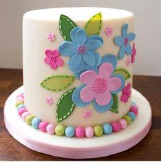 Sweet cake for the birthday girl! Birthday Cake With Flowers, Birthday Cake Girls, Birthday Parties, Fondant Cakes, Cupcake Cakes, Shoe Cakes, Flower Cake Design, Fantasy Cake, Tsumtsum