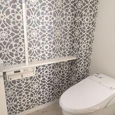 女性で、4LDKのマイホーム建築中/アクセントクロス/壁紙/サンゲツ/リクシル/LIXIL…などについてのインテリア実例を紹介。「1階のトイレはタンクレス♪」(この写真は 2015-12-17 17:29:50 に共有されました)