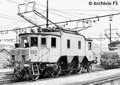 E330-prima locomotiva per treni veloci a corrente alternata trifase-4 velocità caratteristiche : 37,5 -50-75 -100 km/h-2000 kw-FS ANNO 1914 Electric Train, Locomotive, Transportation, Scenery, Street View, Nostalgia, Train, Display Stands, Italia