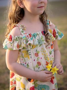 Cotton Frocks For Kids, Frocks For Girls, Girls Dresses, Kids Frocks Design, Baby Frocks Designs, Girl Baby Pic, Cute Girl Outfits, Kids Outfits, Little Girl Summer Dresses