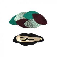 Cette barrette aux couleurs de la flore tropicale apportera une dose de sensualité dans votre chevelure. A porter sans modération!