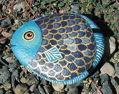 *Fish craft painting, fish art, painted stones, animal design, rock art, pet rocks, painted rocks, paint rock, stone art