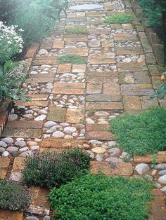 garten pflaster This is certainly an amazing tattoo design if you want inspiration for Garden Paving, Garden Arbor, Garden Yard Ideas, Garden Paths, Easy Garden, Backyard Ideas, Backyard Designs, Fence Ideas, Garden Entrance