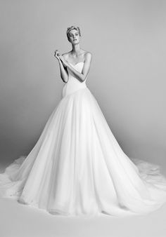 Viktor&Rolf Mariage Diagonal cut tulle gown Ball Gown Wedding Dress
