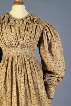 Printed cotton day dress, American, 1820s, KSUM 1983.1.38.