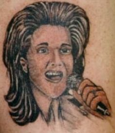 The 34 Most Inexplicable And Weird Tattoos Of Celebrities Yep, it's Celine Dion Really Bad Tattoos, Awful Tattoos, Funny Tattoos, Worst Tattoos, Tatoos, Amazing Tattoos, Smiley Piercing, Piercings, Worst Celebrities