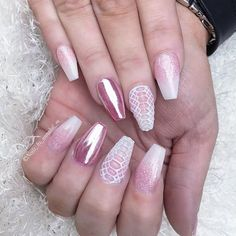 Jinny's new princess nails with pink chrome