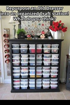 Creative Sewing Room Storage Ideas - DecoRewarding Need inspiration for organizing your sewing room. Check out 40 sewing room storage ideas.Need inspiration for organizing your sewing room. Check out 40 sewing room storage ideas. Diy Home, Home Crafts, Home Projects, Sewing Projects, Sewing Tips, Sewing Hacks, Sewing Tutorials, Diy Crafts, Sewing Crafts