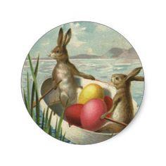 Vintage viktorianische Osterhasen in einem Ei-Boot Runder Aufkleber