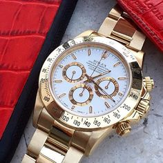 Yellow gold Rolex Daytona ref 16528 truly spectacular piece! by wristgamers