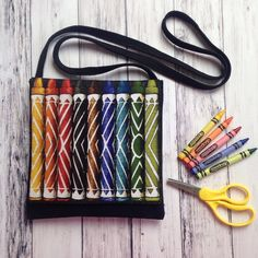 Coloring on the go!  Check out this Crayon bag!  #coloring