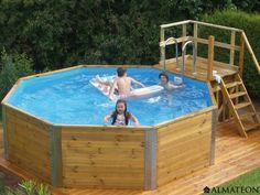 Très jolie piscine hexagonale en bois, modèle Korsika 1