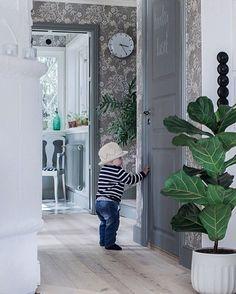 Entry Hallway, Swedish House, Classic Interior, Interior Inspiration, Beautiful Homes, Sweet Home, House Design, Living Room, Interior Design