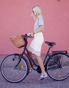 Lace skirt, New balance and an adorable bike!