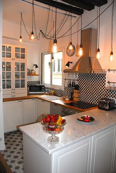 Traditional chef's kitchen with marble worktop French Apartment, Paris Apartments, All Modern, Beams, High Ceilings, Kitchen, Period, Marble, House