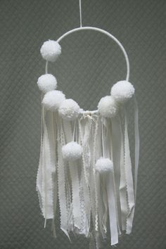 Catcher-dreams dreamcatcher white Pompom by Nuagesetpompons Dreams Catcher, Diy And Crafts, Arts And Crafts, Native American Crafts, Angel Crafts, Diy Wall Decor, Amelie, Creations, Weaving