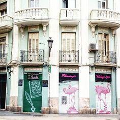 Comparte tus momentos #ruzafagente con nosotros. 🔝📷@hanna_kiss  #spain #españa #valencia #valenciagram #ruzafa #barrioderuzafa #ruzafagente #pastel #flamingo #callecadiz