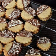 Taler with marzipan chocolate filling - Kekse - Cookies Recipes Pastry Recipes, Milk Recipes, Ice Cream Recipes, Cookie Recipes, Snack Recipes, Dessert Recipes, Biscuits, Chocolate Filling, Chocolate Chocolate