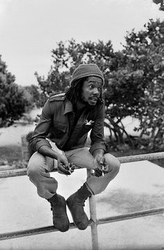 ©Adrian Boot/ urbanimage.tv *Peter Tosh* Hellshire Beach, St. Catherine, Jamaica, 1978. More fantastic pictures and videos of *The Wailers* on: https://de.pinterest.com/ReggaeHeart/