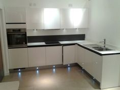 Ex Display Nobilia White High Gloss Handleless Kitchen and Laminate Worktops