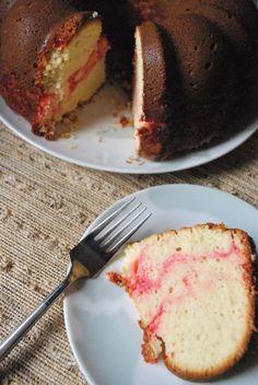 Bundt cake week: Strawberry swirl cream cheese | BetsyLife