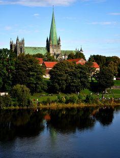 Nidarosdomen cathedral and Nidelven river, Trondheim, Norway