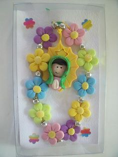 Polymer Clay Figures, Cute Polymer Clay, Polymer Clay Crafts, Polymer Clay Jewelry, Grey Baby Shower, Clothespin Dolls, Pasta Flexible, Flower Crafts, Clay Art