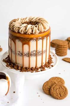 Caramel Gingerbread Cake decorated naked cake style with a caramel drip and rope border on top. Food Cakes, Mini Cakes, Cupcake Cakes, Cupcakes, Just Desserts, Dessert Recipes, Fall Cake Recipes, Gingerbread Cake, Cake Flavors
