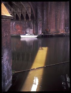Castlefields Canal by pea., via Flickr