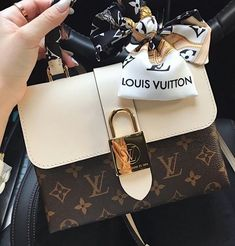 Louis vuitton handbags – High Fashion For Women Louis Vuitton Taschen, Louis Vuitton Alma, Louis Vuitton Speedy, Louis Vuitton Handbags, Chanel Purse, Chanel Handbags, Fashion Handbags, Fashion Bags, Runway Fashion