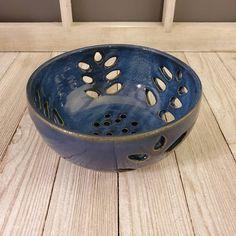 Pottery Wheel, Pottery Bowls, Pottery Ideas, Ceramic Pottery, Ceramic Art, Ceramics Ideas, Ceramics Projects, Pottery Shop, Pottery Classes