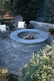 Fire Pit Ideas Backyard Landscaping - Try turning off your TV and stashing the remote for a better family time. Go to your backyard and sit around the fire pit to maintain a conversation, instead. Make A Fire Pit, Fire Pit Uses, Diy Fire Pit, Fire Pit Backyard, Backyard Patio, Backyard Landscaping, Concrete Fire Pits, Wood Burning Fire Pit, Fire Pit Lighting