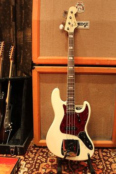 Vintage 1966 Fender Jazz Bass Custom Colour White Original | Reverb
