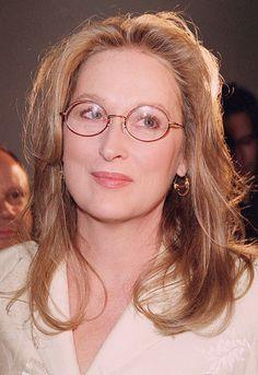 Meryl looks stunning here. Meryl Streep, Classic Actresses, Female Actresses, Actors & Actresses, Grace Gummer, Nova Jersey, Emma Thompson, Square Faces, Amanda Seyfried