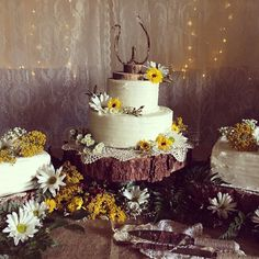 Country Wedding Cakes Barn wedding cake with wildflowers and sunflowers! 6 and 10 inch tiers. Barn Wedding Cakes, Country Wedding Cakes, Cool Wedding Cakes, Fresh Flowers, Wild Flowers, Sunflower Cakes, Cake Makers, Wedding Moments, Wedding Decorations