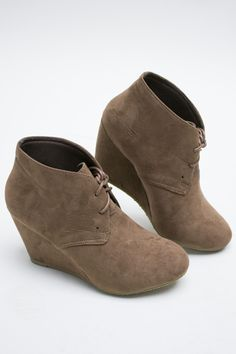 Amazing lace up booties with a wedge heel. Non-slip soul and cool brown suede look. Perfect for all your outfits! Runs true to size. Pair with jeggings, distressed jeans rolled up, or leggings. Wedge Ankle Boots, Wedge Heels, Bootie Boots, Shoe Boots, Shoes Heels, Sock Shoes, Cute Shoes, Me Too Shoes, Lace Up Booties