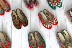Made to look stylish at an affordable price, each unique pair comes hand-crafted and embroidered by a small team of artisans in the Polish Highlands for an appealing artisanal finish. The perfect present for mum-and-daughter duos who like to mat. Felted Wool Slippers, Sheepskin Slippers, Baby Size Chart, Size Chart For Kids, Presents For Mum, Daisy, Embroidered Flowers, Mother Gifts, Wool Felt