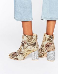 O.M.G! Check out these ASOS RAMMA Chain Ankle Boots 😍 #Fashion #HUKDlooks