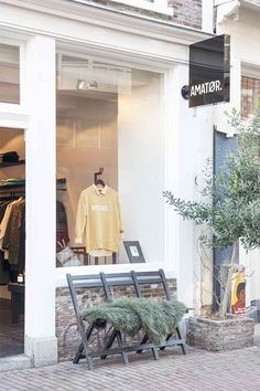 Mode Amsterdam, Halle, Amsterdam Location, Retail Concepts, Boutique Clothing, Oversized Mirror, To Go, Baby, Furniture