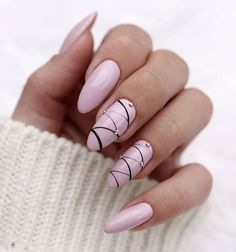 Almond nail art designs for girls on the go, trendy bright colors and warm colors for every woman, we sorted beautiful design that you can Fun Nails, Pretty Nails, Blush Nails, Glitter Nails, Almond Nail Art, Nagellack Design, Nails Design With Rhinestones, Almond Nails Designs, Nagel Gel