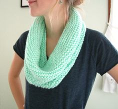 Easy-to-knit circle scarf!
