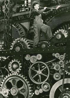 Charlie Chaplin in Modern Times (1936)