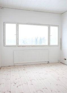 Empty Space/ White Room