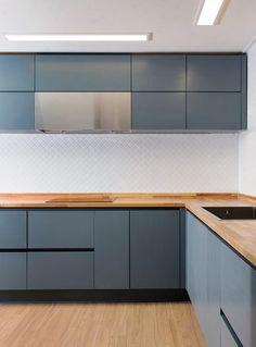 Everything You Need To Know About Unique Kitchen Renovations DIY Kitchen Cupboard Designs, Kitchen Room Design, Custom Kitchen Cabinets, Kitchen Dinning, Kitchen Cabinet Colors, Home Decor Kitchen, Interior Design Kitchen, Home Kitchens, Plywood Kitchen