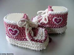 Babyschuhe Babyschühchen Herzchen von diestrickerin auf Etsy, $15,00