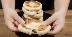 Δείτε μία ξεχωριστή συνταγή για αφράτες πίτες στο τηγάνι με τυρί και γιαούρτι. Πεντανόστιμες, χωρίς πολλά λόγια! Η συνταγή είναι από το κανάλι LIVE KITCHEN CHANNEL Υλικά για 9 πίτες 200 γρ. χλιαρό γάλα 200 γρ. χλιαρό νερό 7 έως 9