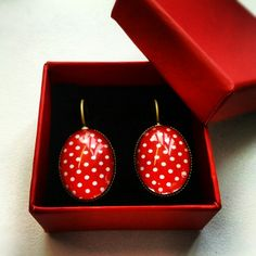 Polka dot red earrings, just delivered.